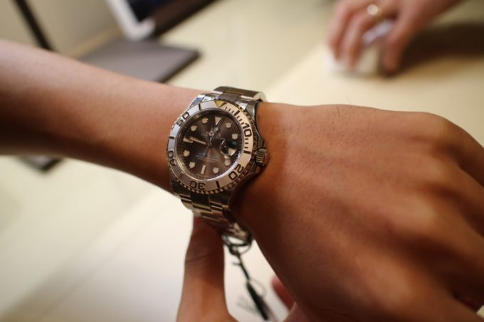 outlet store 8fd27 25a0f ハワイでロレックス(ROLEX)の人気モデルを購入する方法!!